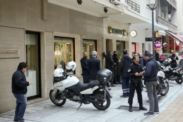 Πώς έγινε η «τέλεια ληστεία» στο κέντρο της Αθήνας! - Έκλεψε ρολόγια αξίας 500.000 ευρώ και έφυγε με ταξί