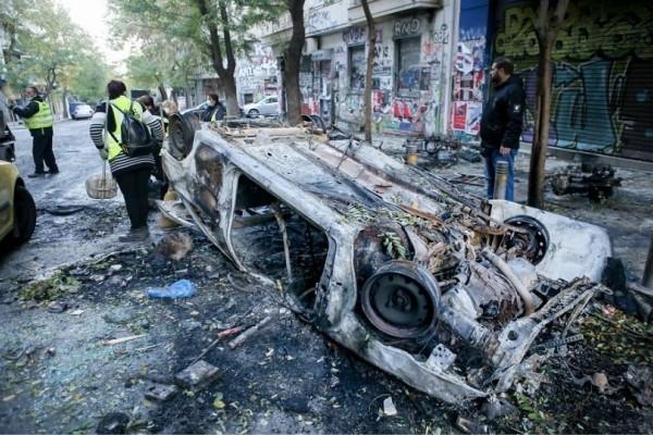 Εικόνες καταστροφής στο κέντρο της Αθήνας! - «Βομβαρδισμένο» τοπίο η Θεολογική στην Θεσσαλονίκη! (Photos)