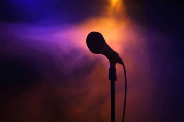 Αποκάλυψη βόμβα: Gay πασίγνωστος Έλληνας τραγουδιστής!
