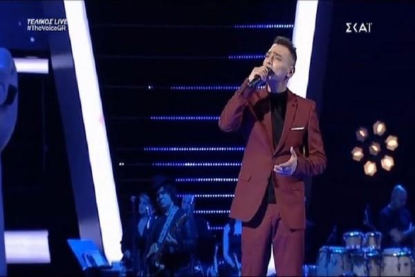 The Voice: Η ιδιαίτερη ερμηνεία του Ζάχου Καράμπαση! (video)