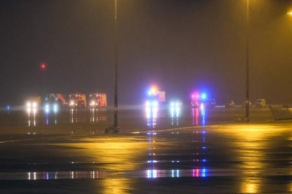 Πανικός στο Αννόβερο: Αυτοκίνητο μπούκαρε ενώ προσγειωνόταν αεροσκάφος της Αegean!