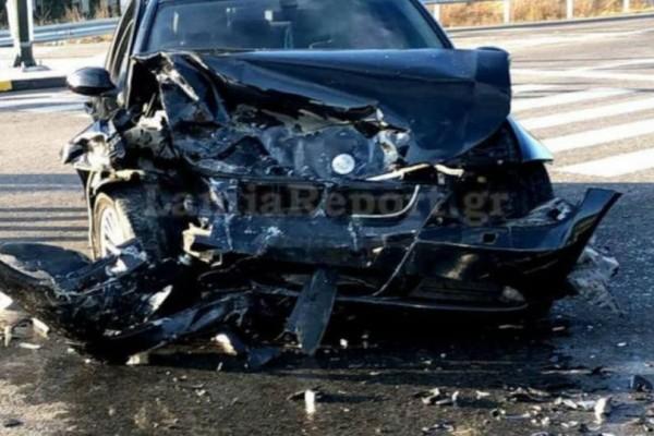 Σοβαρό τροχαίο στην Ε.Ο. Λαμίας-Καρπενησίου: Τέσσερις τραυματίες (photos)