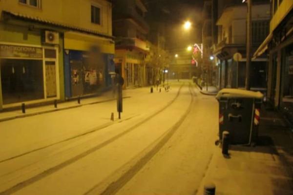 Στα λευκά η Κοζάνη: Σε ετοιμότητα η πολιτική προστασία! (video)