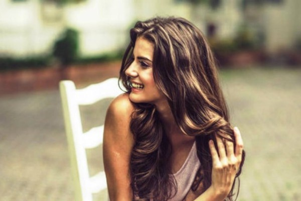 5 Tips για ευκολοχτένιστα και λαμπερά μαλλιά!