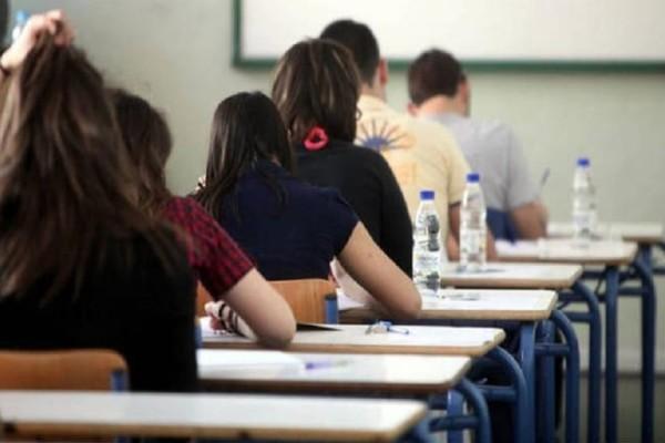Βόμβα: Τέλος οι Πανελλήνιες, στα πανεπιστήμια μόνο με το απολυτήριο Λυκείου!