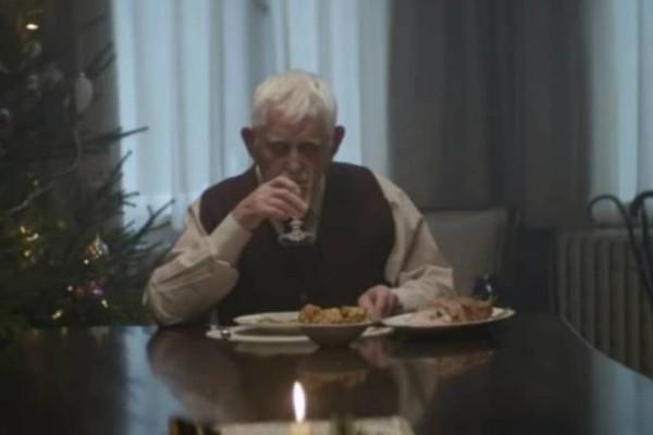 Η διαφήμιση που θα σας λυγίσει! Ο παππούς και το μήνυμα που αγγίζει όλους!  (video)