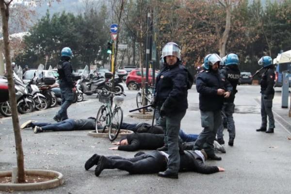 Χαμός στη Ρώμη:  Συγκρούσεις οπαδών με αστυνομικούς! (photo)