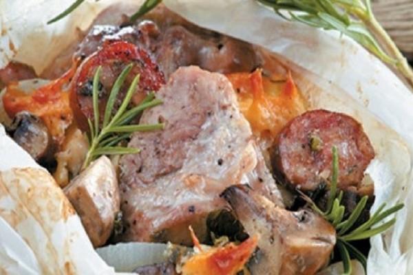 Χοιρινό στη λαδόκολλα με τυριά και μανιτάρια!