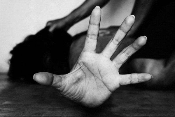 Τρόμος στα Χανιά: Άγνωστος επιτέθηκε σε φοιτήτρια στην είσοδο του σπιτιού της!