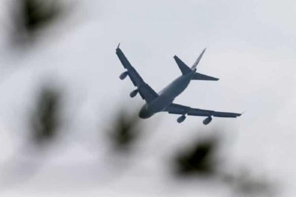 Απίστευτο! Πέταξαν οικογένεια έξω από το αεροπλάνο γιατί... μύριζαν άσχημα (Photo)