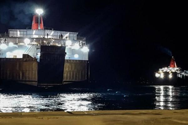 Μηχανική βλάβη σε πλοίο λίγο έξω από την Άνδρο - Επιστρέφει στη Ραφήνα