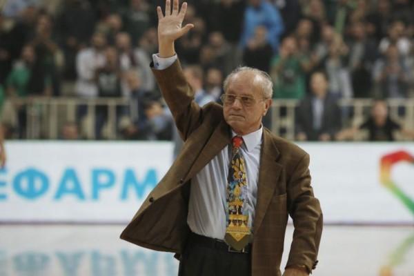 """Θανάσης Γιαννακόπουλος: Ο πιστός ηγέτης του Παναθηναϊκού με την """"πράσινη"""" καρδιά!"""