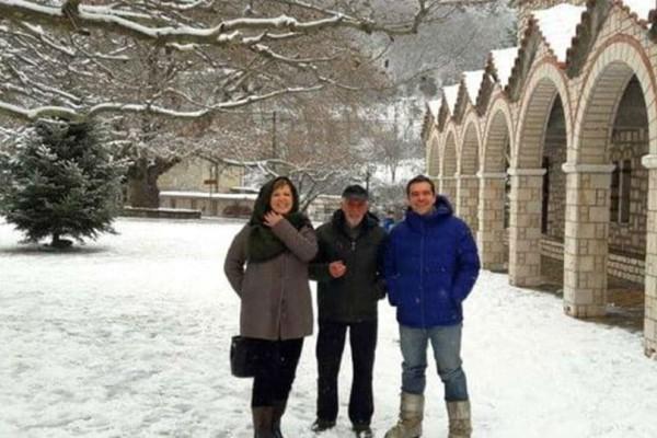 Αλέξης Τσίπρας: Βόλτα στα χιόνια με την Περιστέρα Μπαζιάνα και την Όλγα Γεροβασίλη!