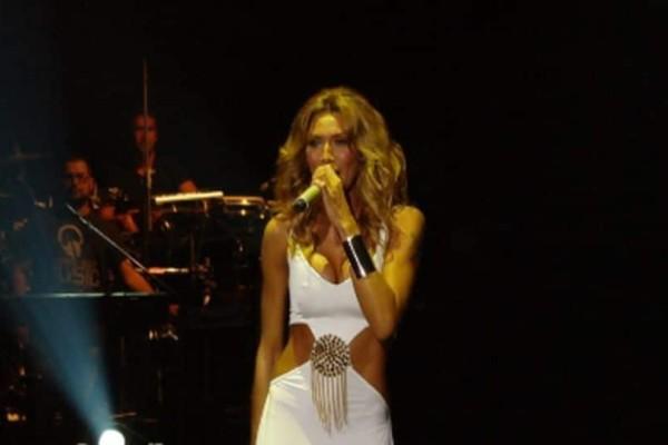 Όγκος για την Αγγελική Ηλιάδη: Τραγικές στιγμές για την τραγουδίστρια!