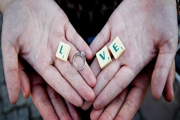 Κορίτσια δώστε βάση: 10 σημάδια που δείχνουν ότι ο σύντροφός σου θα σου κάνει πρόταση γάμου!