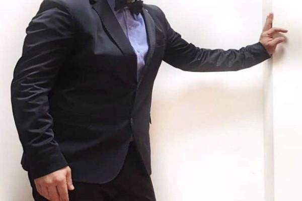 Μαλλιοτραβήγματα για Έλληνα παρουσιαστή: Ποιος θα πάει καλεσμένος στην εκπομπή του; Σφάζονται στη ποδιά του