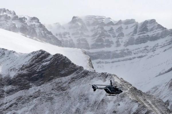 Σύγκρουση τουριστικού αεροπλάνου με ελικόπτερο πάνω από τις ιταλικές Άλπεις!