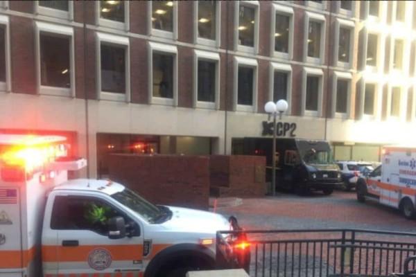 Αιματηρό περιστατικό στη Βοστόνη: Άνδρας επιτέθηκε με μαχαίρι