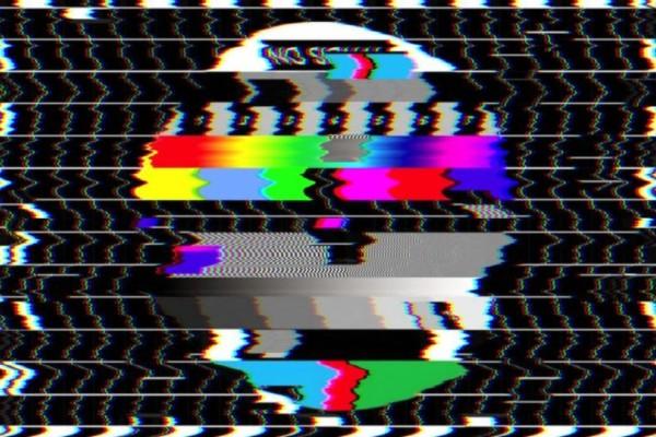 Τηλεοπτική βόμβα: Κατέβασε ρολά και