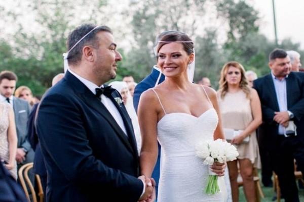 Αντώνης Ρέμος - Υβόννη Μπόσνιακ: Για πρώτη φορά στο φως της δημοσιότητας ονειρικές φωτογραφίες από το γάμο τους!