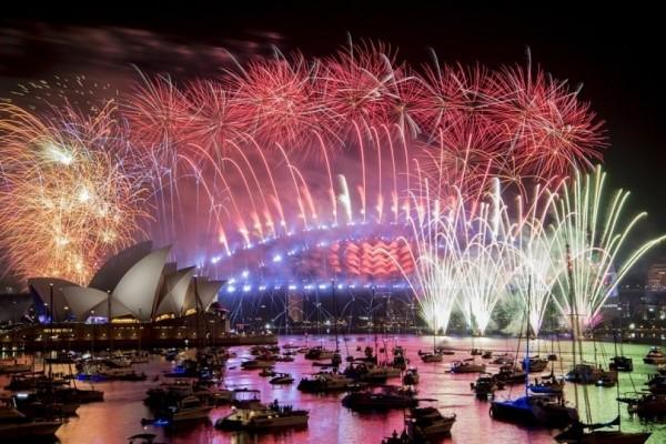 Εντυπωσιακό: Με ρεκόρ πυροτεχνημάτων το Σίδνεϊ υποδέχτηκε το 2019! (Video)