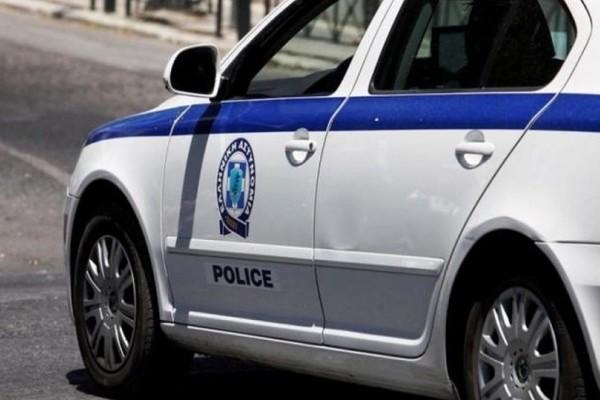 Θεσσαλονίκη: Παραδόθηκε ο άνδρας που απειλούσε να βάλει φωτιά σε τράπεζα (video)!