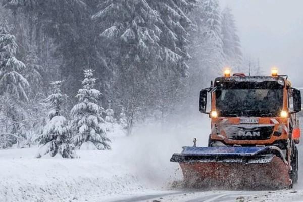 Ελβετία: Αποκλείστηκε χωριό από χιονοστιβάδα