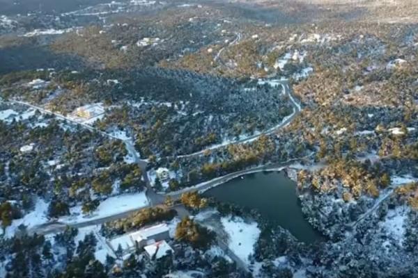 Μαγευτικό τοπίο η χιονισμένη Ιπποκράτειος Πολιτεία! (video)