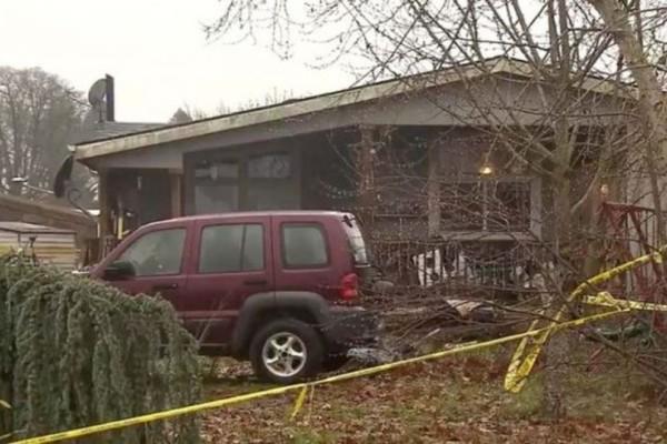 Πατέρας κατακρεούργησε με τσεκούρι 4 μέλη της οικογένειας του: Τον σκότωσαν αστυνομικοί τη στιγμή που θα δολοφονούσε την 8χρονη κόρη του!