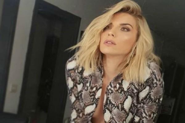 Μαντώ Γαστεράτου: Η topless φωτογραφία που έριξε το Instagram!