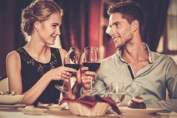 Μάγκας: Τύπος αρνήθηκε να πληρώσει αστακό και ακριβό κρασί της συνοδού του στο πρώτο ραντεβού!