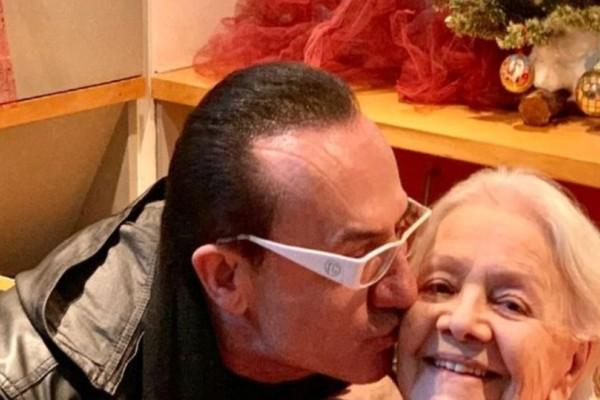 Μεγαλείο ψυχής: Ο Λευτέρης Πανταζής επισκέφθηκε την Μαίρη Λίντα στο Γηροκομείο Αθηνών!