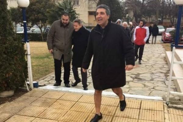 Έπος: O Αριστείδης Φωκάς έλειπε από την ψηφοφορία γιατί ήπιε μια γκαζόζα και πήγε... τουαλέτα!