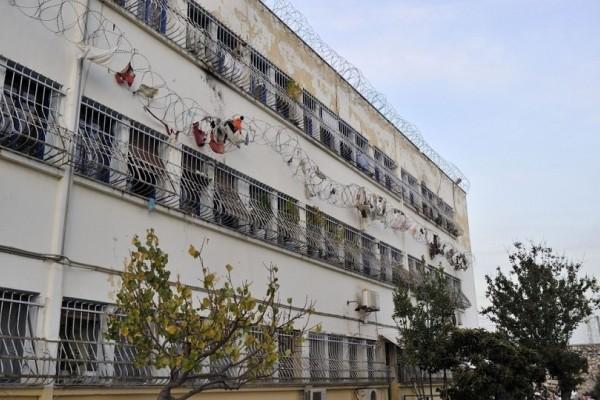 Απίστευτο κι όμως αληθινό: Πώς κατάφεραν οι 2 κρατούμενοι να αποδράσουν σαν κύριοι με γάντζο από τον Κορυδαλλό!