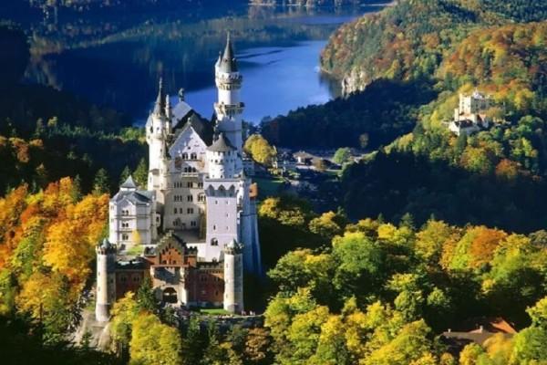 Είναι μάλλον το ωραιότερο κάστρο του κόσμου! - Ζήστε το παραμύθι στο Neuschwanstein