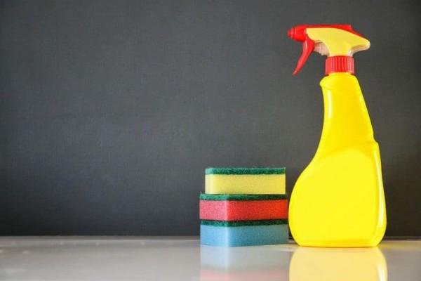 Καθαριότητα στο σπίτι: Φτιάξτε μόνοι σας σπρέι για να απομακρύνεται τη βρωμιά!