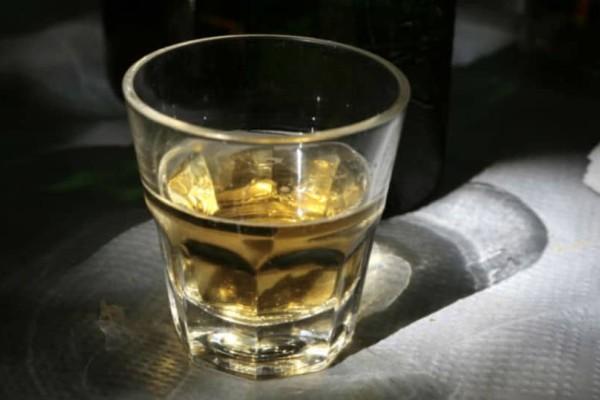 Κρήτη: Ανήλικος στο νοσοκομείο μετά από κατανάλωση αλκοόλ