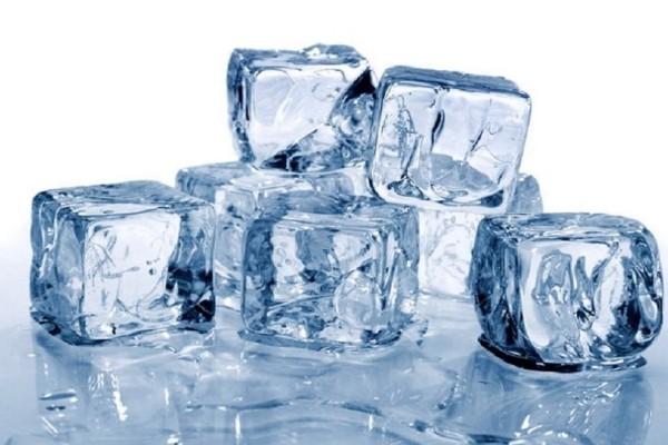 Προσοχή! Πώς μπορεί ο πάγος να κάνει κακό στην υγεία σας!