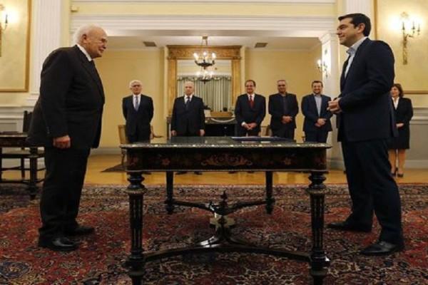 Σαν σήμερα, στις 26 Ιανουαρίου το 2015, ο Αλέξης Τσίπρας ορκίζεται πρώτη φορά πρωθυπουργός!