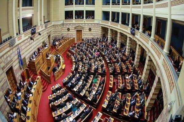 Τι προβλέπει το Σύνταγμα για την ψήφο εμπιστοσύνης στην κυβέρνηση;