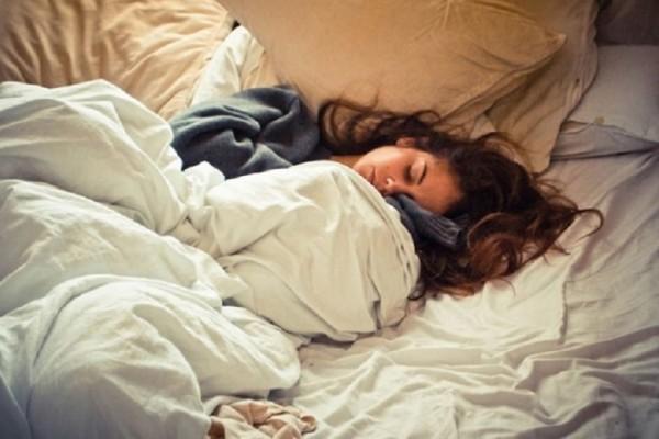 Δώστε βάση: Πώς η κακή ποιότητα ύπνου μπορεί να αποτελεί σύμπτωμα Αλτσχάιμερ;