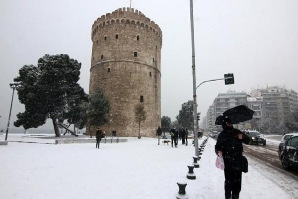 Θεσσαλονίκη: Πυκνή χιονόπτωση έφερε η νέα κακοκαιρία! - Στους -1 ο υδράργυρος