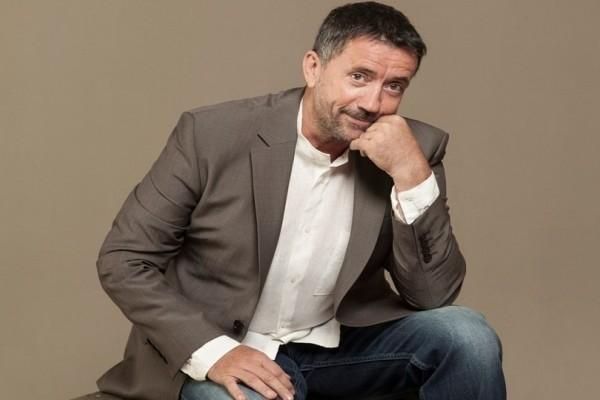 Σπύρος Παπαδόπουλος: Ποια είναι η νεαρή ηθοποιός που τον τρέλανε; (video)