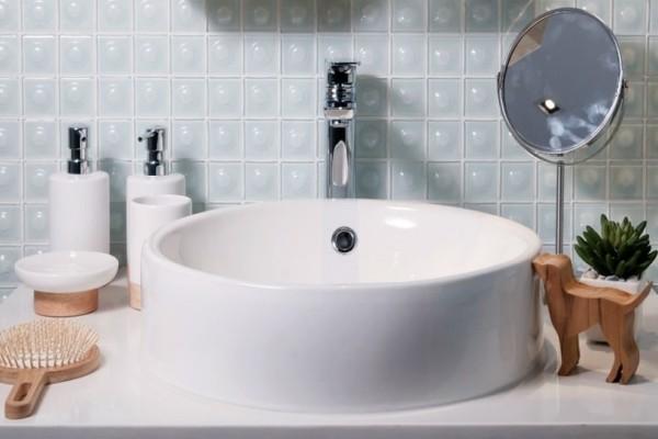 Ένα εύκολο κόλπο για να κάνετε το μπάνιο σας να μοσχομυρίσει στο λεπτό!