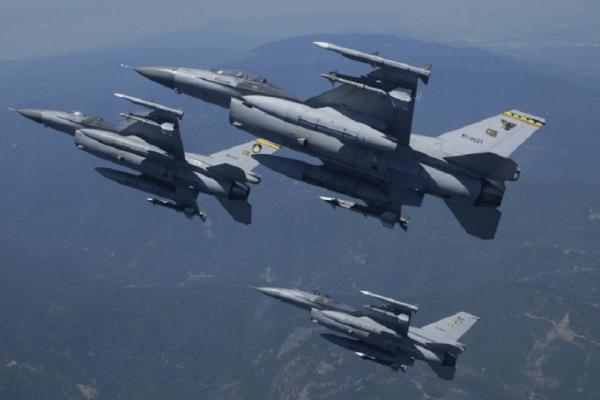 Νέες τουρκικές προκλήσεις: Εικονική αερομαχία και μπαράζ παραβιάσεων πάνω από το Αιγαίο!
