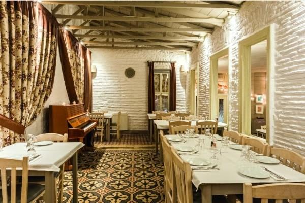 Αυτό είναι το αγαπημένο μας στέκι για φαγητό και βρίσκεται στην Αθήνα!
