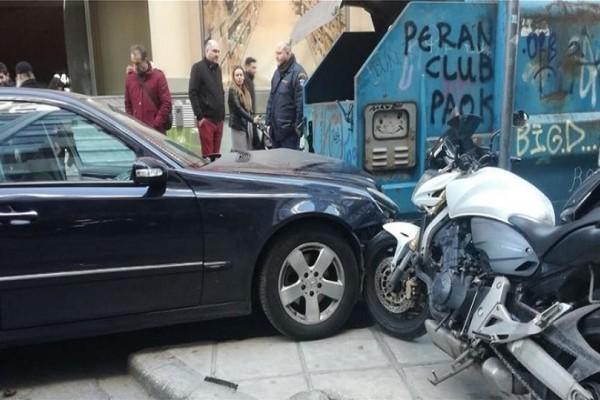 Θεσσαλονίκη: Αυτοκίνητο παρέσυρε πεζούς και μηχανάκι