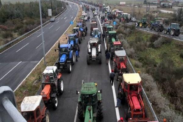 Κλιμακώνονται οι κινητοποιήσεις των αγροτών! - Αγροτικό μπλόκο στην Ιόνια Οδό το απόγευμα!