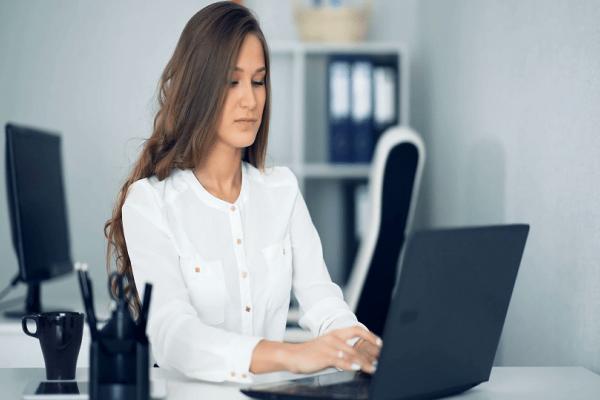 Οι Γυναίκες που δουλεύουν πολλές ώρες πλησιάζουν πιο κοντά στην κατάθλιψη