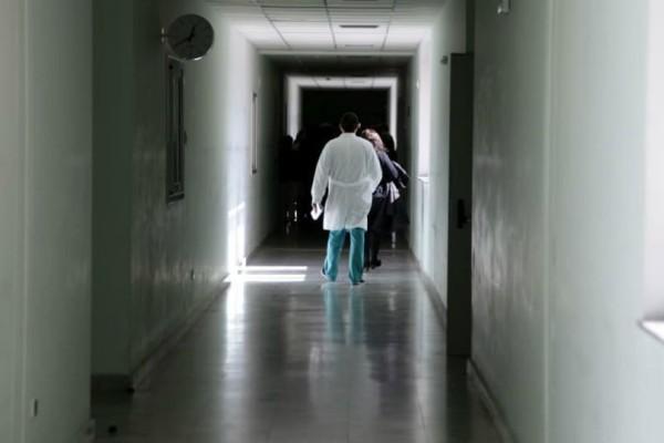 Χαμός στο νοσοκομείο της Καβάλας: Συγγενής ασθενούς που απεβίωσε έδειρε τον γιατρό!